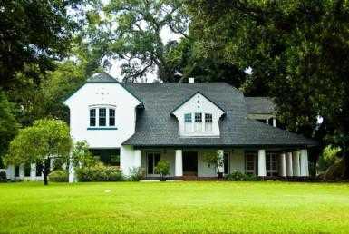 03 385x258 - Historic Villa Restored