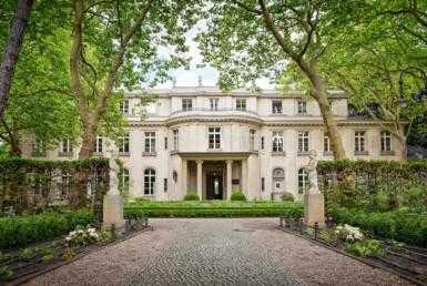 27 385x258 - Villa in Green for Sale