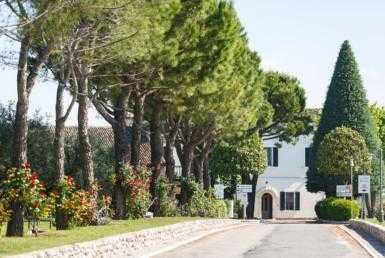 38 385x258 - Historic Villa
